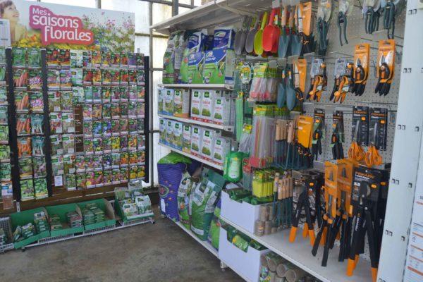 jardinerie-materiel-decoration-serres-des-lacs-4